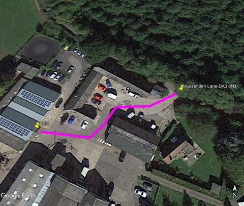 photo showing route to defibrillator at Speedgate Saddlery